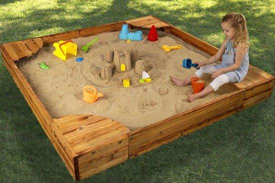 Идеи обустройства песочницы на дачном участке