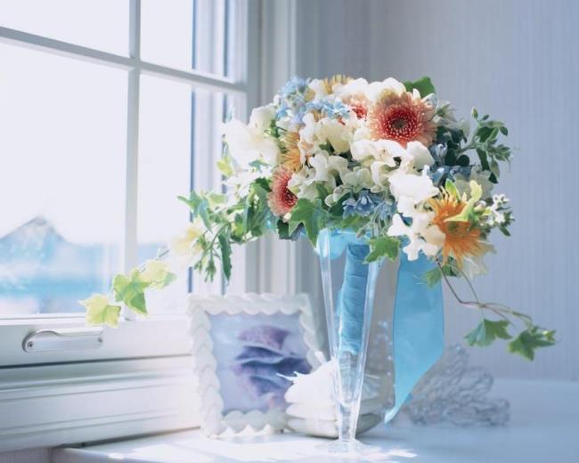 Украшаем дом цветами. Букеты в интерьере
