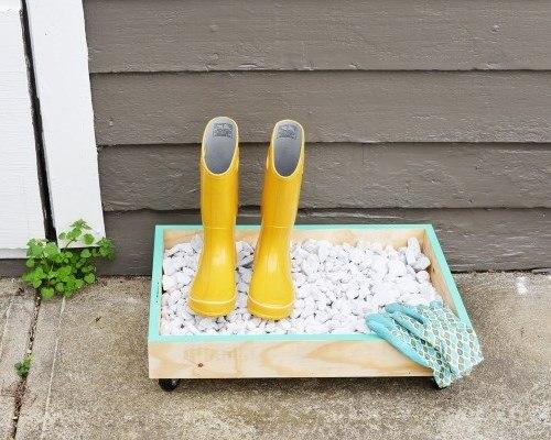 Подставка-сушилка для резиновых сапогов и другой уличной обуви