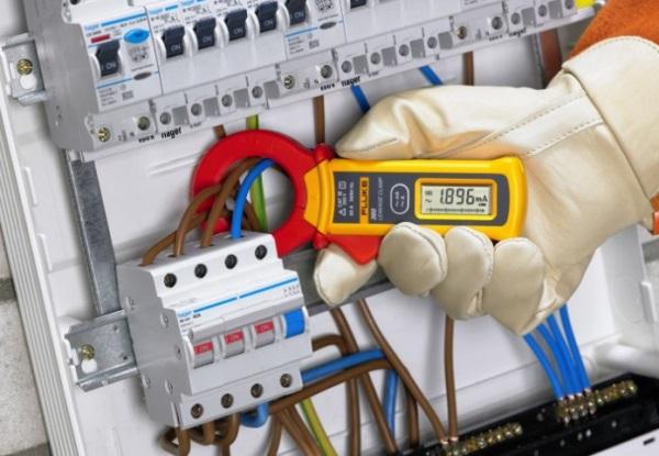 Где найти и как проверить квалификацию электромонтажника