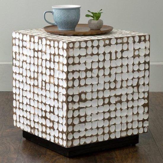 Идеи столиков с резьбой из массива дерева