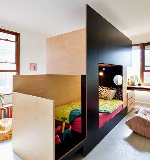 Одна комната на двоих