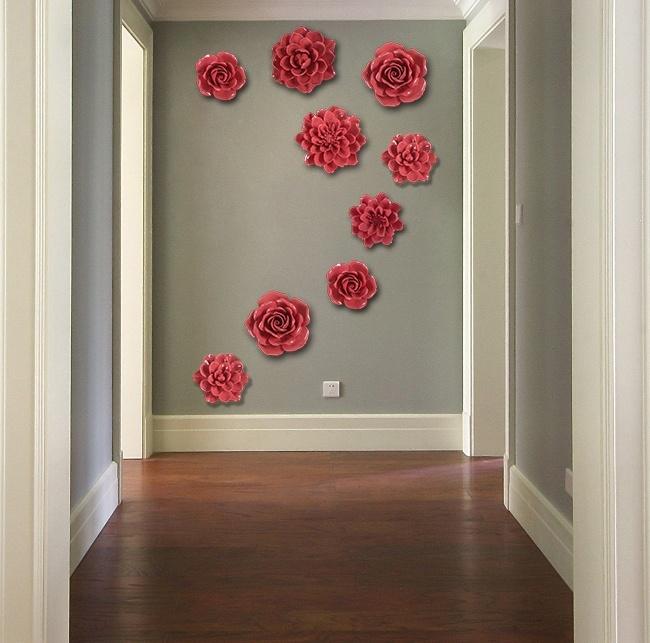 Красивые панно из керамических цветов на стену