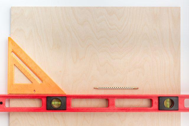 как сделатьполку-стенд для книг и журналов своими руками
