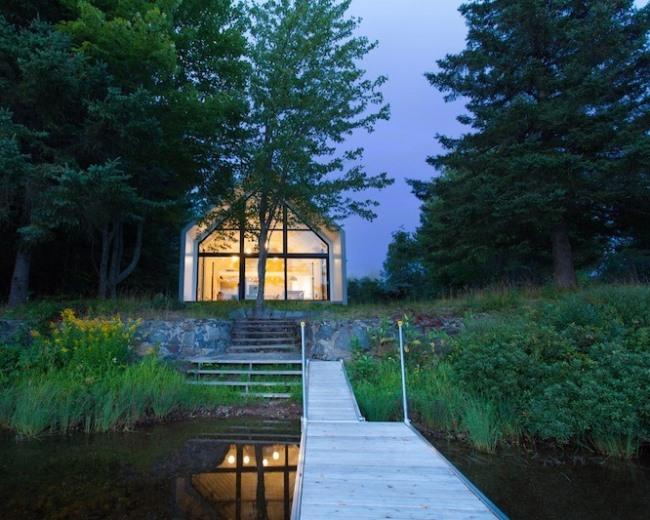 Коттедж для отпуска на озере
