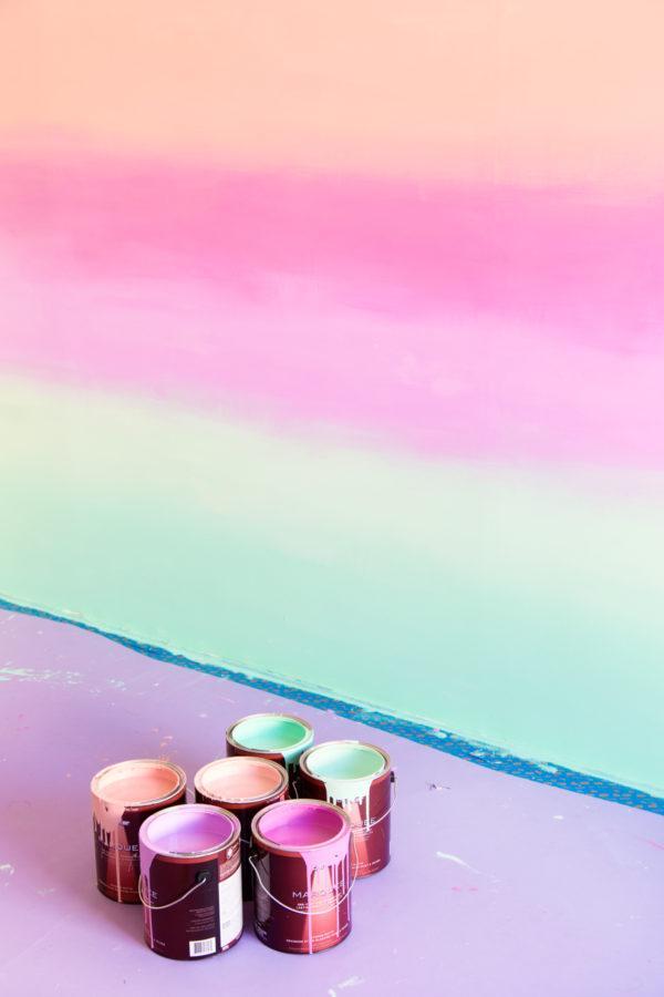 DIY: Красим стену в разноцветный омбре