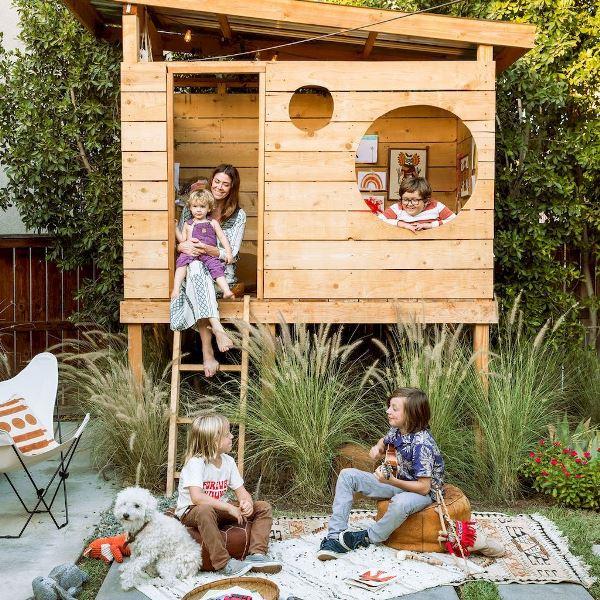 Домик, лазалки и горки... Все 33 удовольствия для детей на даче