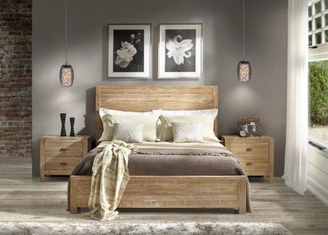 Уют в спальне: мебель из массива дерева