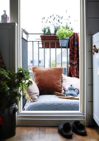 40 красивых идей для маленького балкона